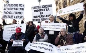 MANIFESTAZIONE DI PROTESTA DAVANTI AL MINISTERO DELL'ECONOMIA PER LA MANCATA ATTIVAZIONE DEL FONDO PER I MALATI DI SLA
